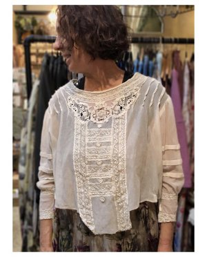 Magnolia Pearl | Aurora Belle Blouse | Antique White