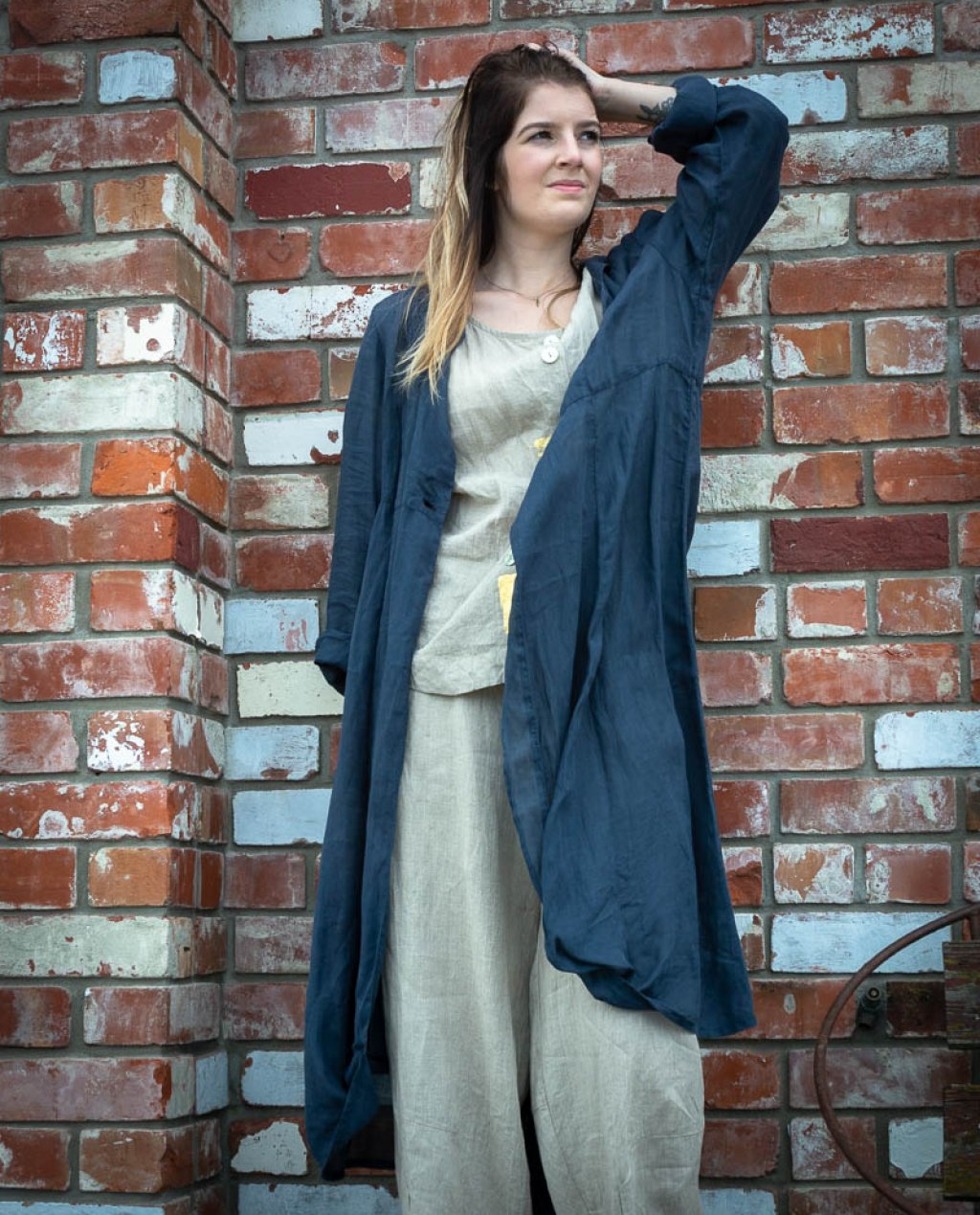 Banana Blue | Long Jacket |Linen - Navy