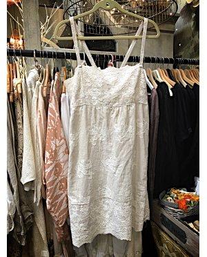 Lace by Donelle Scott | Cream Lace Shift Dress