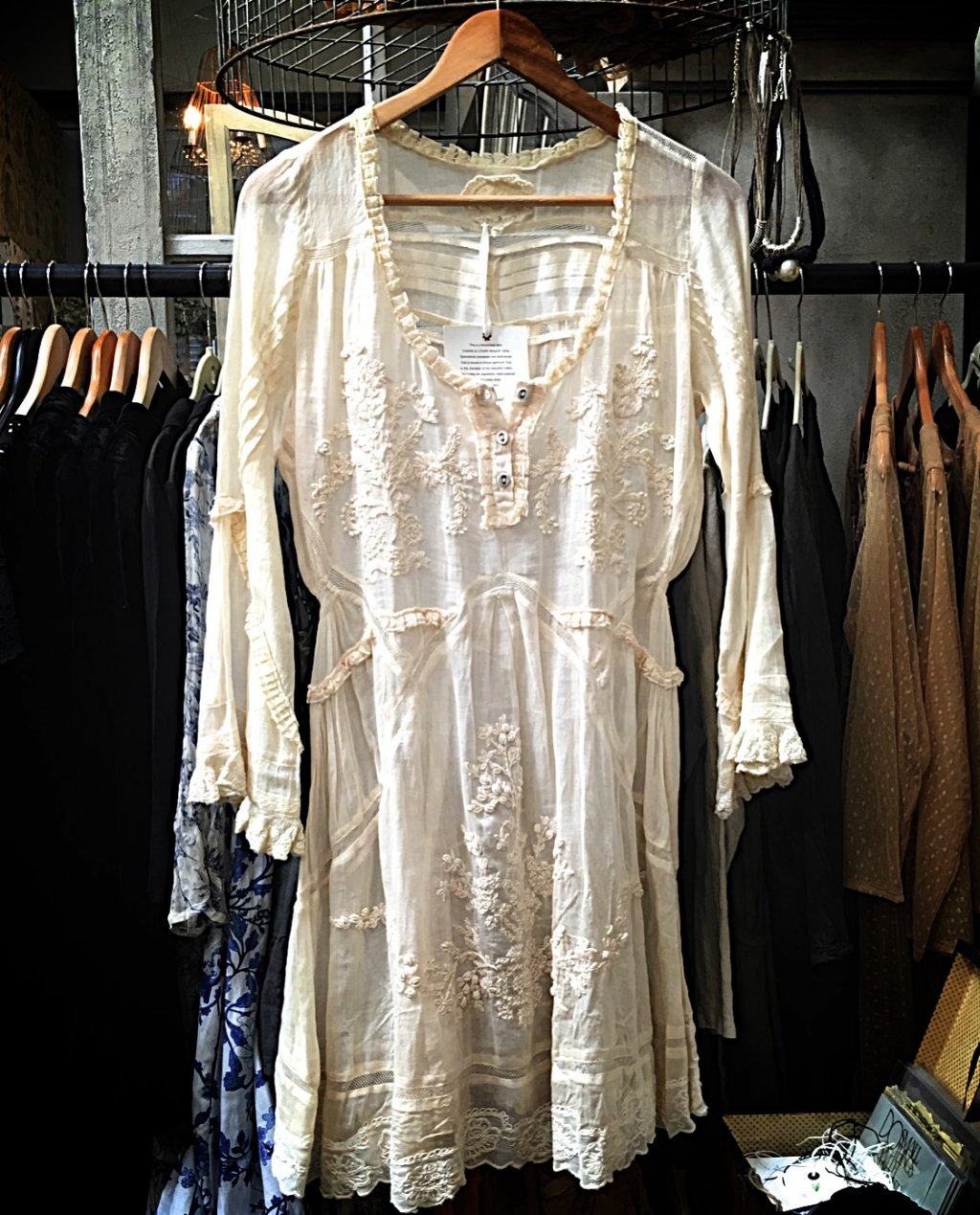 Gado Gado   Long-sleeved embroidered cotton lace tunic / blouse
