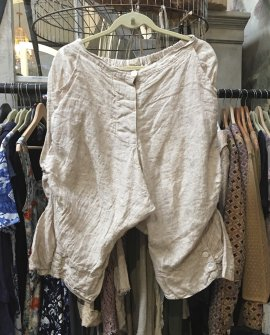Magnolia Pearl |Leila Blue Linen Shorts |Buckwheat Cream