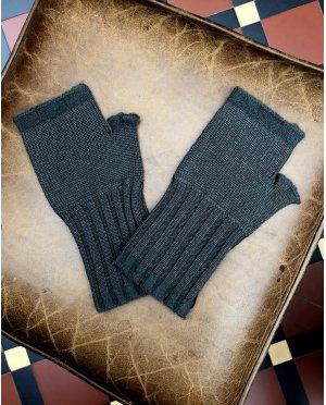 Banana Blue - Merino Fingerless Gloves - Putty